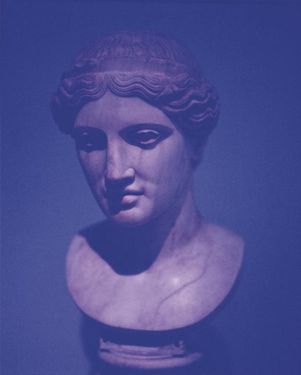 medium_sarah-vdb-roman-woman-2013